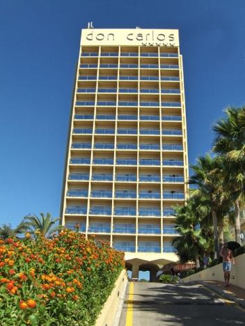 Hotel Don Carlos ligger i östra Marbella.