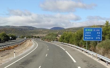Förra året byggdes mindre än 15 km nya vägar i Spanien.