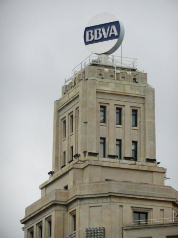 Storbanken BBVA har förlorat flera rättegångar men vägrar acceptera ersättning för samtliga sina hypotekskunder med räntegolv.