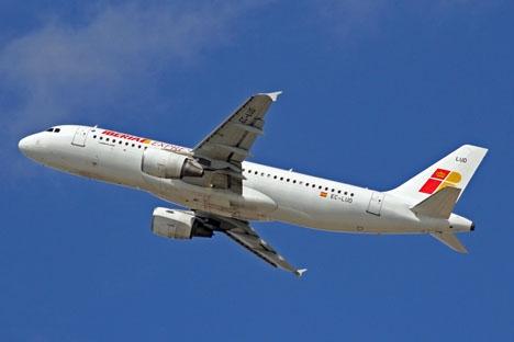 Förra året hade spanska inrikesflyget 33,9 miljoner passagerare, mot 31,8 miljoner som reste med långdistanståg. Foto: Ken Fielding/http://www.flickr.com/photos/kenfielding