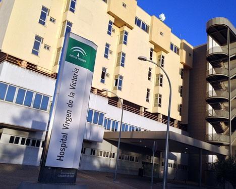 Den 41-åriga cyklisten fick läggas in på Hospital Clínico, i Málaga.