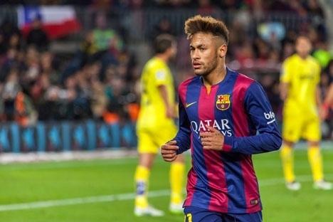 Neymar var avgörande i matchen med två mål i slutminuterna. Foto: Alex Fau/Wikimedia Commons