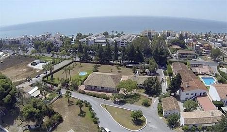 Kroppen hittades intill Centro Forestal Sueco, nära Golden Mile i Marbella.