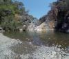 Charca de las Nutrias är vårt slutmål. Sjön är normalt tre meter djup och är en perfekt plats för att bada och njuta av en picknick.