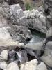 Floden har format fantastiska klippformationer som bildar både bassänger och små vattenfall.