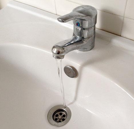 En studie anger att 40 procent av den spanska befolkningen undviker att dricka kranvatten.