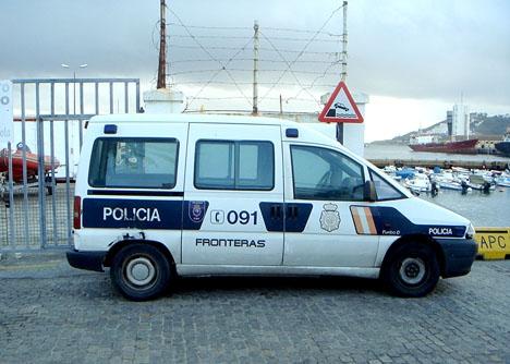 Spansk gränspolis i Ceuta. Foto: Xemenendura/Wikimedia Commons