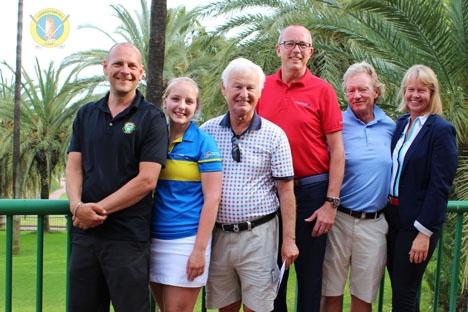 Vinnarna på Torrequebrada Lars Hänninen, Tina Håkansson, Rolf Stigson, Per-Arne Andersson och Bengt-Åke Sevedag, med arrangören Ana Nyblom. Foto: Torrequebrada Golf