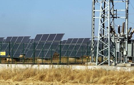 De ändrade villkoren 2010 för förnyelsebara energikällor har lett till en våg av anmälningar mot Spanien.