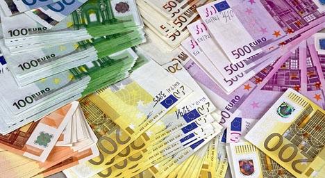 Utlänningar tillåts sex gånger så stora kontantköp i Spanien som spanjorer, men nu vill regeringen skärpa kontrollerna. Foto: Europol