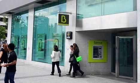 Sammanlagt 32 personer ställs inför rätta för bedrägeri, i samband med börsnoteringen av Bankia.
