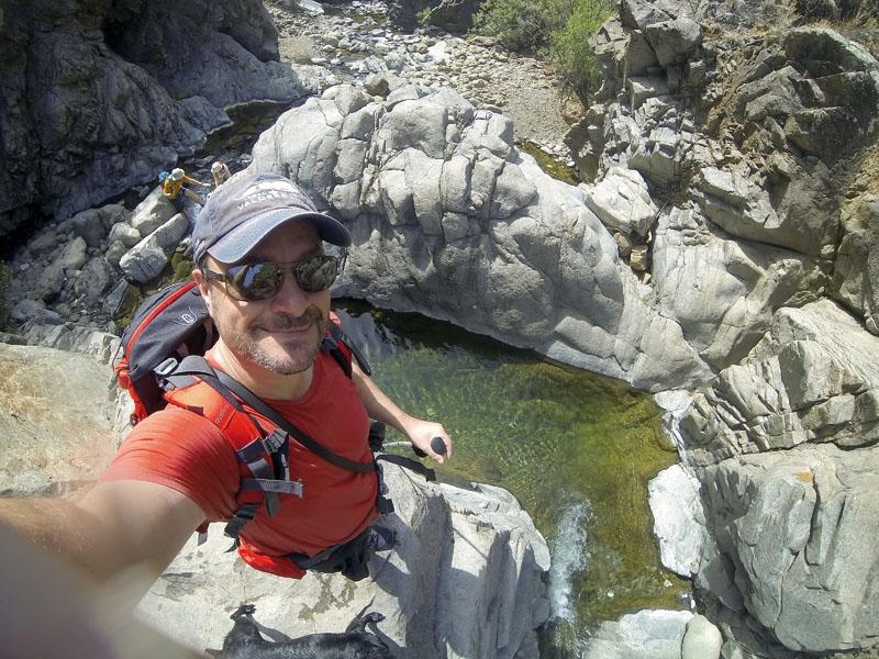 Río Castor ligger I Estepona och utgör ett verkligt äventyr, med möjlighet till bad i naturliga klippbassänger.
