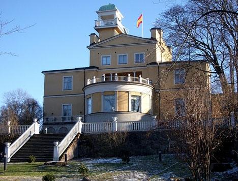 Ambassadpersonalen i Stockholm har gått ut i strejk på obestämd tid. Foto: Holger Ellgård/Wikimedia Commons