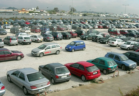 Parkering vid Málaga flygplats.