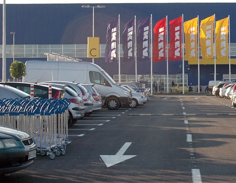 Flera av de anmälda rånen skedde vid parkeringen till IKEA i Málaga.