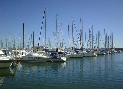 Två kroppar har hittats nära hamnen i Estepona på mindre än två dygn.