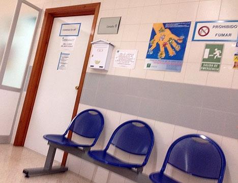 Husläkarna har fem minuter avsatt för varje patient.
