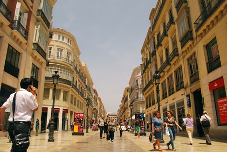 Málaga stad är en av de kommuner som vill få slut på utsvängningarna vid svensexor och möhippor.