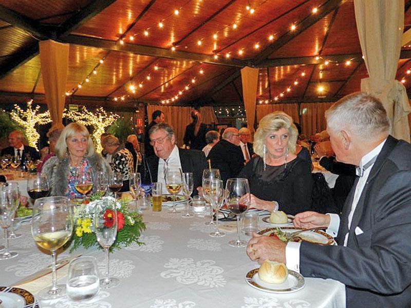 Förra årets gala drog in mer än 3 000 euro till välgörande ändamål.