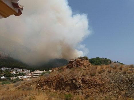 Branden vid El Higuerón ska ha orsakats av en havererad bil. Foto: Juancho Martín Ruiz-Hidalgo