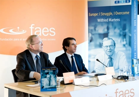 Stiftelsen FAES leds av tidigare regeringschefen José María Aznar (t.h.). Foto: European Peoples Party/Wikimedia Commons