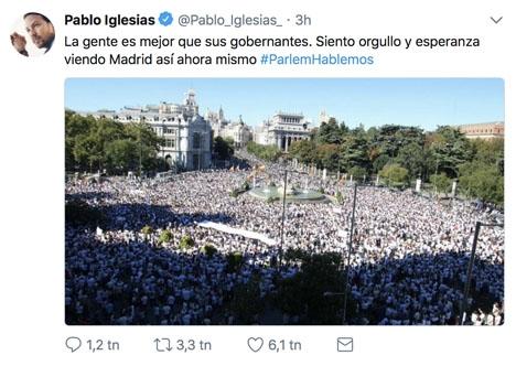 Ledaren för Podemos Pablo Iglesias lovordar uppslutningen kring manifestationen vid Cibeles.