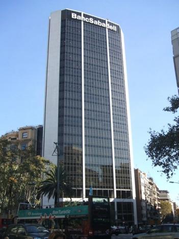 Banco Sabadell annonserade 5 oktober att de flyttar sitt säte från Barcelona till Alicante.