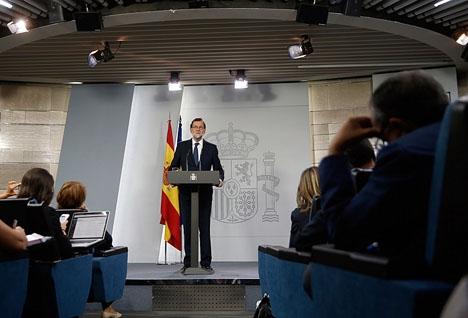 Mariano Rajoy höll ett direktsänt tv-tal dagen efter Puigdemonts framträdande i det katalanska regionalparlamentet.