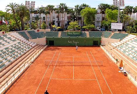 Läktarna vid centercourten i Puente Romano Tennis Club ska utökas för att rymma 10 000 åskådare.