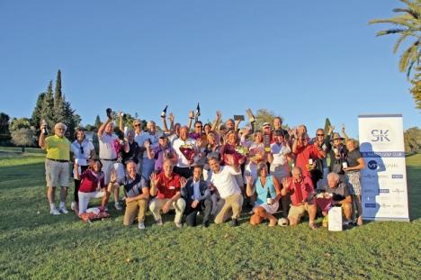 Både nya och gamla spelare stortrivdes 11 november på El Paraiso Golf.