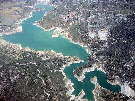 Costa del Sol tvingas till vattenrestriktioner ungefär vart tionde år.