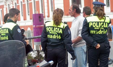 Ett hundratal nattpatrullerande lokalpolisen i Madrid deltog i den kontroversiella chatten.