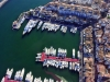 Många har besökt lyxhamnen Puerto Banús, men få har beskådat den från detta perspektiv.