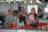 Rigmor Schöning, David Falk och Lena Lakoma hade fullt upp i köket, där det bjöds på en varierad jultallrik, bröd och dryck.