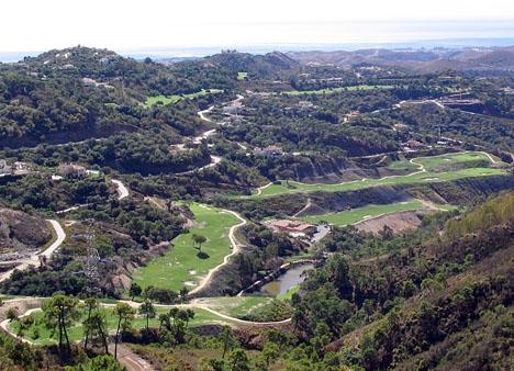Förekomsten av en lyxurbanisation som La Zagaleta i en liten kommun som Benahavís gör att kommunen rent statistiskt förefaller ha det största skattetrycket per innevånare.