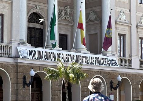 I Cádiz hotas både kommunledningen och provinsstyrelsen av intervention, på grund av sina släpande skulder. Foto: Odd Goksøyr