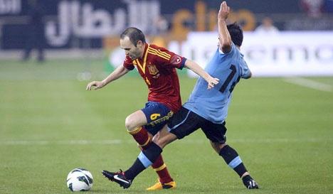 Världsstjärnor som Andrés Iniesta riskerar att uteslutas ur VM i Ryssland nästa år. Foto: Hanson K Joseph/Wikimedia Commons