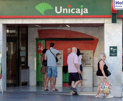 Affären omfattar sammanlagt 4 000 fastigheter som tidigare återtagits av sparbanken Unicaja.