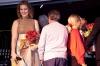 Sofia Hvid-Hansen och de övriga artisterna avtackades med blommor. Foto: Paco Esteban