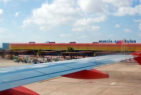 Resurser kommer till en början att tas från flygplatsen Murcia-San Javier till Corvera. Foto: Phillip Capper/Wikimedia Commons