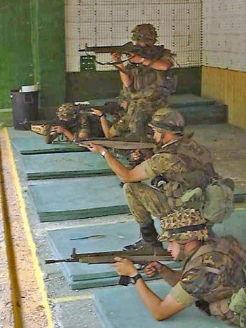 Några av legionärernas träningsramsor har förbjudits. Foto: Dunia F. López