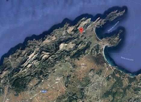 Branden rasar på nordvästra Mallorca. Foto: Google Maps