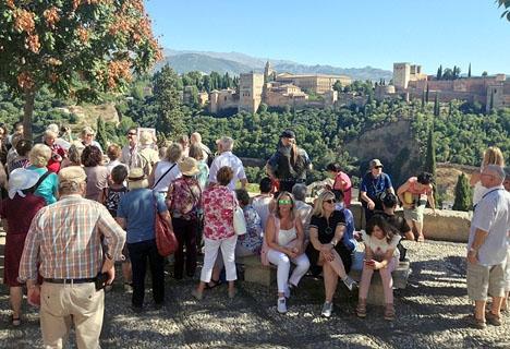 Turister i Granada.