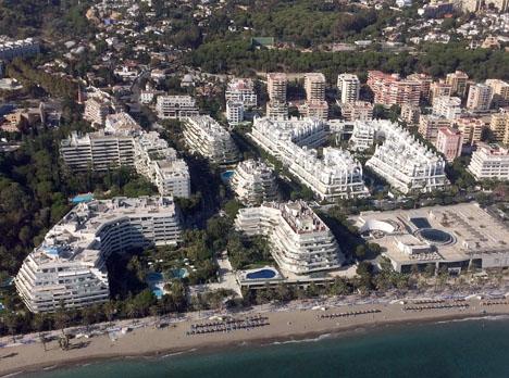 Det sänkta taxeringsvärdet innebär lägre fastighetsskatt i Marbella i år.