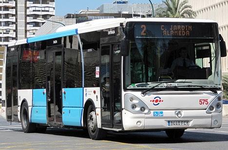 Lokalbuss i Málaga. Foto: AlvaroRG/Wikimedia Commons