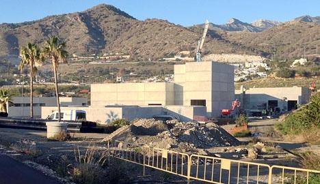 Arbetet på reningsverket har ej återupptagits som utlovat.