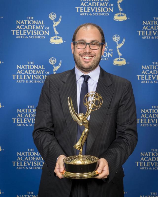 Den spansk-svenske journallsten Tomás Ocaña Urwitz är endast 34 år gammal, men har redan vunnit fler utmärkelser för grävande reportage än de flesta gör under en hel karriär. Foto: Privat