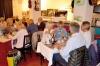 Årets revy framfördes inför sittande bord på restaurang El Camino. Foto: Caj Söderberg