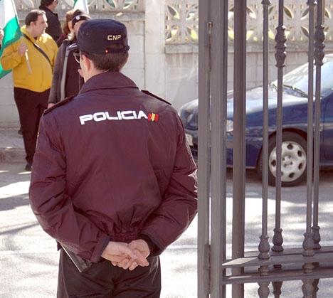 Policia Nacional är underbemannade till 17,1 procent, medan 8,7 procent av posterna i Guardia Civil ej är tillsatta.