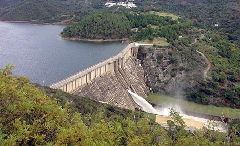 Vattenbristen i Spanien gör att vattenkraftverken alstrar mindre energi än normalt.